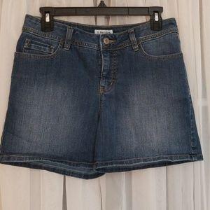 St. John's Bay Jean Shorts  Size 6